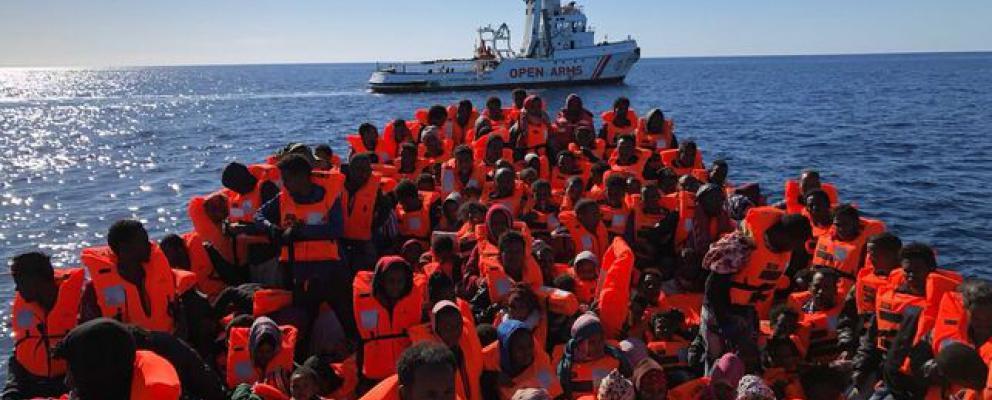 mediterraneo - migrantes rescatados Open arms y 72% de solidaridad
