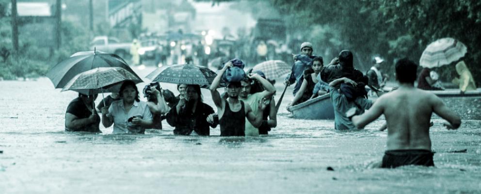 Inundaciones en San Salvador. Foto: Omar Carbonero