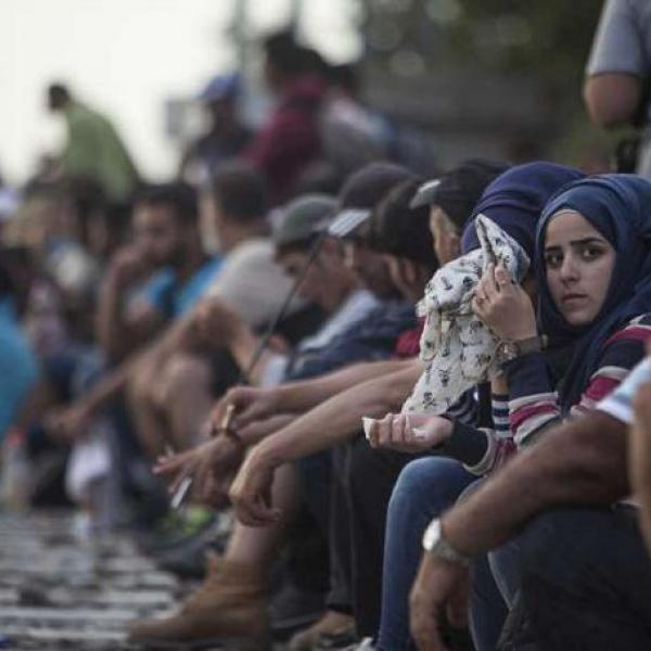Menores migrantes solos, niñas invisibles